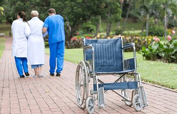 Yaşlılarda Düşme Nedenleri